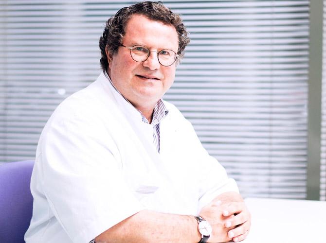 De heer dr. A.A. Hogewoning